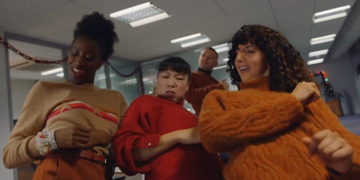 """""""Marks & Spencer"""" šventėms renkasi hiphopo ritmą ir primena 90-uosius"""