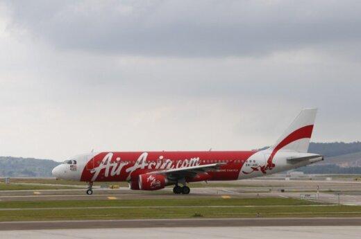 Do poszukiwań samolotu Air Asia dołącza coraz więcej państw