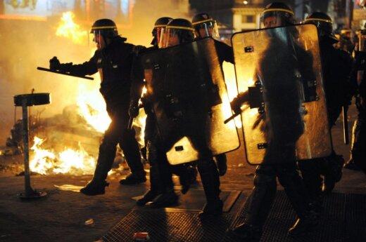 Francja: Zamieszki w Amiens. 16 policjantów zostało rannych