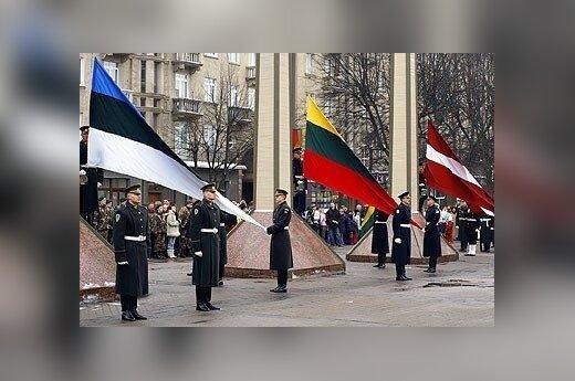 Aleksandrow: Jeżeli USA wejdzie do Syrii, to Rosja powinna zająć kraje bałtyckie