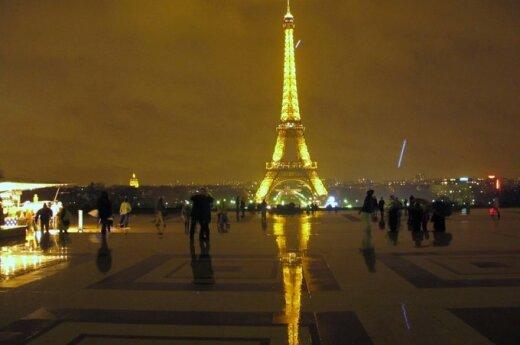 Francuzka oferuje gejowskim parom karmienie dzieci piersią za pieniądze