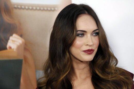 Półnaga Megan Fox dźwiga brzemię atrakcyjności