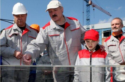 Białoruś: Łukaszenka wprowadza pańszczyznę