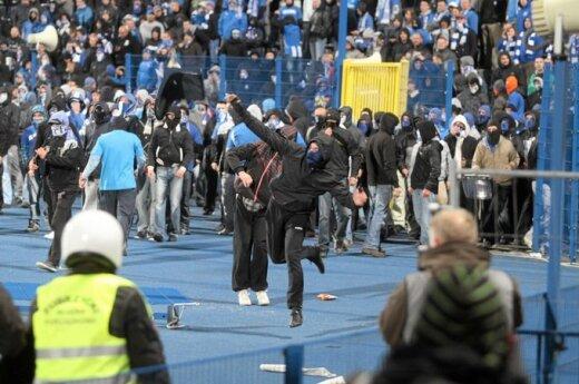 Pierwsze wykroczenia i zatrzymania w związku z meczem Żalgiris - Lech