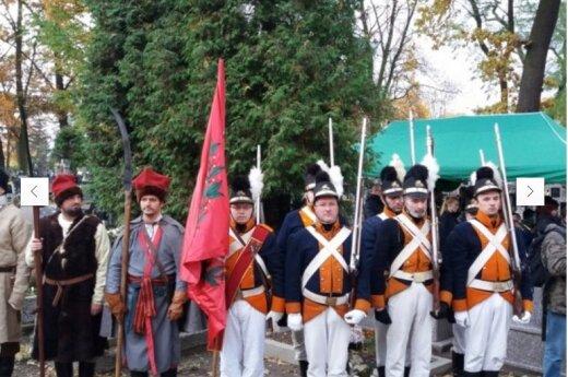 W Kobyłce została odsłonięta tablica pamiątkowa dla żołnierzy i powstańców WKL