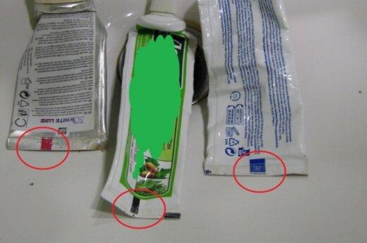 Kolorowe paski na tubkach pasty do zębów