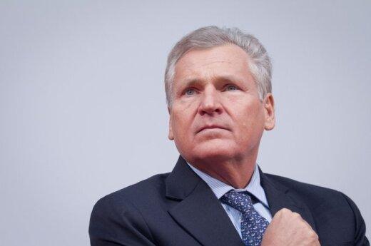 Kwaśniewski doradza dyktatorowi za pieniądze