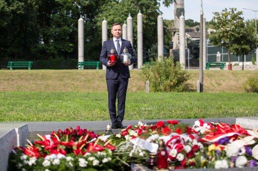Prezydent oddał hołd Ofiarom Zbrodni Wołyńskiej (fot. Krzysztof Sitkowski / KPRP)