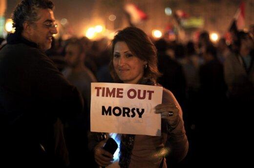 Egipt: Mursi uciekł z pałacu prezydenckiego