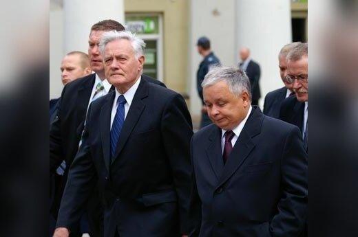 Dyplomata USA: Kaczyński powstrzymał wojnę, a Bush czołgi