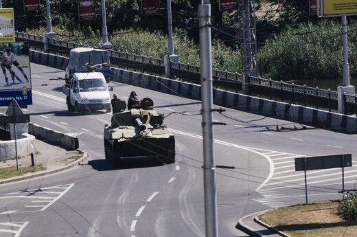 Kreml zaprzecza, że ma coś wspólnego z dostawami czołgów do Doniecka