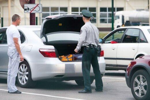 Zatrzymano celników podejrzanych o łapówkarstwo