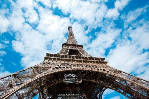 Francja: Polak chciał rzucić się z Wieży Eiffla