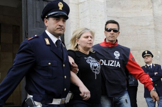 Włochy: Wybuch przed szkołą