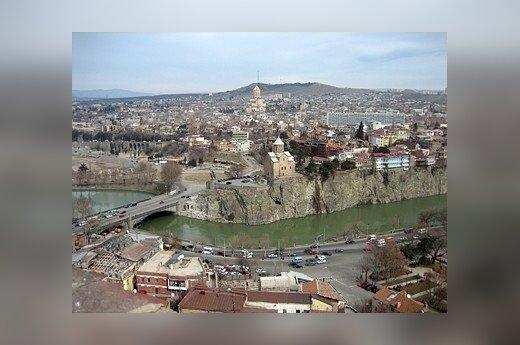 Gruzja: Tbilisi zaprasza Burów