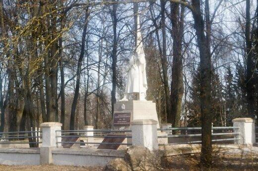 W Poniewieżu zdemolowano cmentarz sowieckich żołnierzy