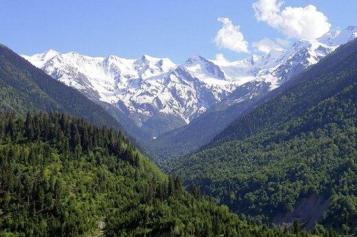 Polscy alpiniści zostali zdjęci z góry Szhara w Gruzji