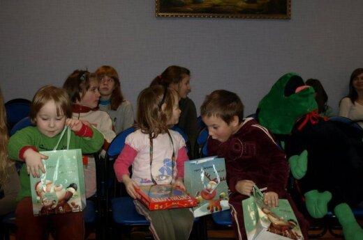 Przekazanie darów dla Doma Dziecka w Solecznikach