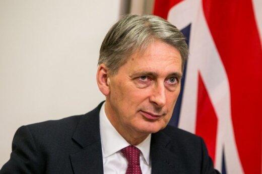 """Brytyjski szef dyplomacji o Putinie: """"Biega po Moskwie i mówi swoim oligarchom, że wszystko się skończy do lipca"""""""