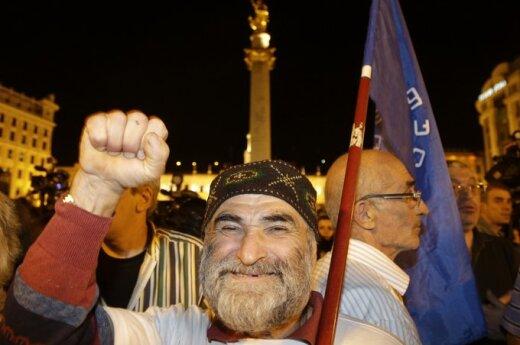 Gruzja: Opozycja i Saakaszwili ogłosili zwycięstwo