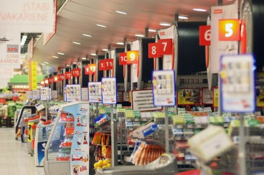 Prekybos tinklai skaičiuoja, kiek kainuos euro įvedimas