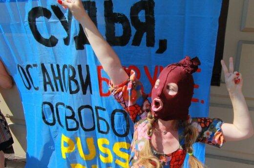 Nagroda im. Sacharowa: Bialiacki czy Pussy Riot?