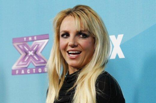 Britney Spears śpiewa dla Smerfów