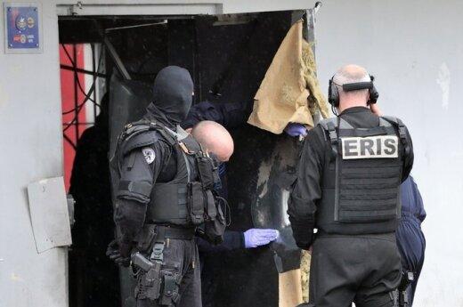 Francja: Pod Paryżem zostali aresztowani terroryści