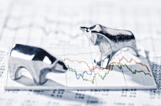 JAV doleris pigo, buvo diskutuojama apie infliacijos augimo ir ekonomikos skatinimo programų perspektyvas