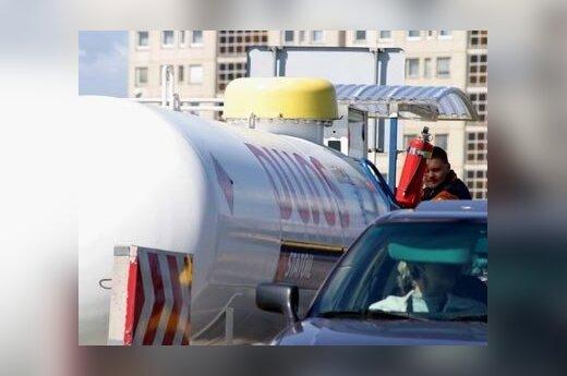 Obniżyły się ceny na gaz, ale stacje paliw nie reagują