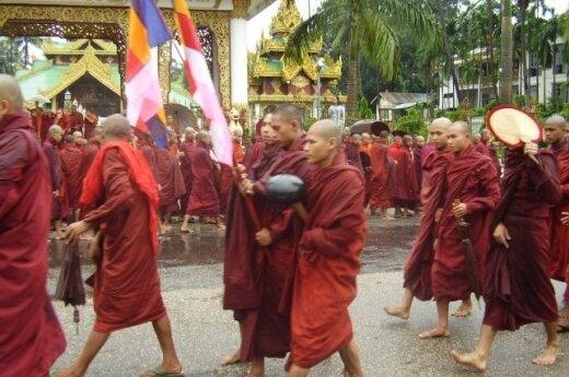 Birma: Buddyjscy mnisi organizują czystki etniczne