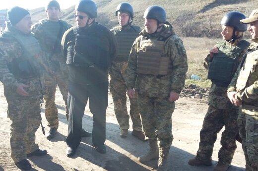 Linkevičius w Ukrainie: Granaty wybuchały w odległości kilkuset metrów