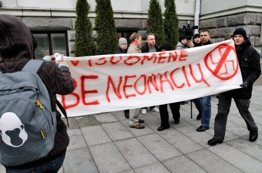 Prokuratura ściga internautów