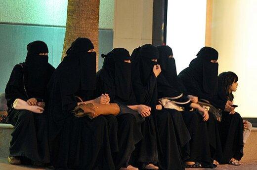 Egipt: Parlament chce zalegalizować obrzezanie kobiet
