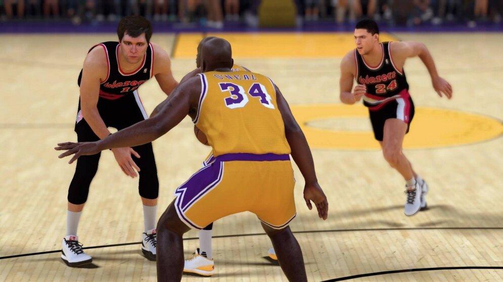Arvydo Sabonio ir Draženo Petrovičiaus tandemas (NBA 2K kadras)